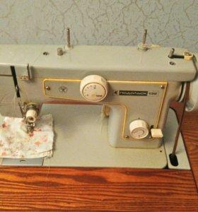 Кабинетная швейная машинка Подольск 132
