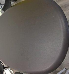 Стол для переговорной комнаты
