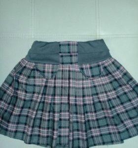 Много одежды для девочки.