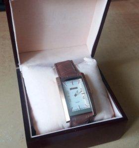 Часы Quardo