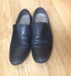 Туфли фирмы kapika  носили очень мало .