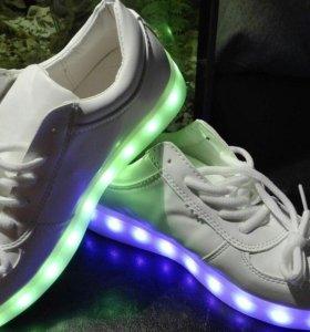Светодиодные светящиеся LED кроссовки