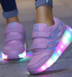 Светящиеся LED кроссовки с роликом