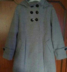 Пальто для девочки 6 - 8 лет