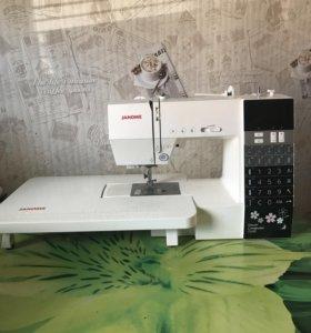 Машинка швейная,компьютерная