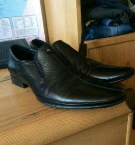 Кожанные туфли 43
