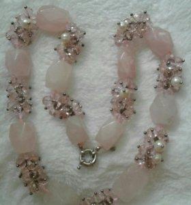 Ожерелье из кварца и розового агата