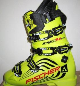 Новые горнолыжные ботинки FISCHER RC4 RRO WACUUM