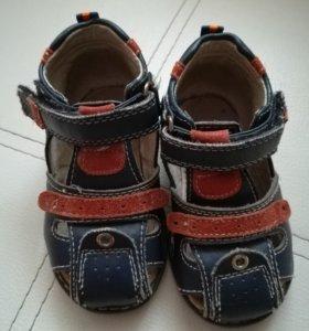 Обувь детская фирмы Сказка