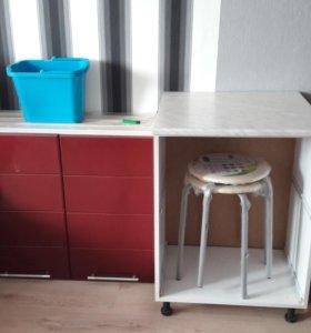 Кухонный гарнитур ,мойуа бордового цвета