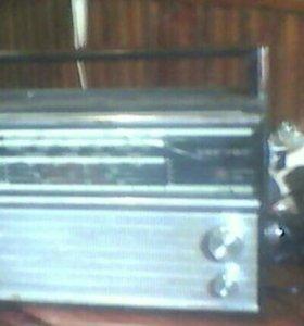 Продам радиоприёмник VEF-202