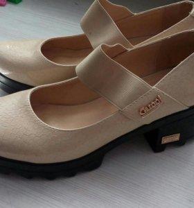 Туфли женские р.39.новые