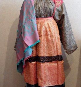 Старинный традиционный костюм