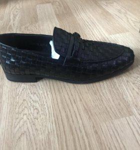 Новые фирменные туфли