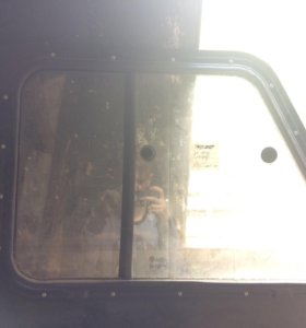 Правое стекло на УАЗ хантер ,новое
