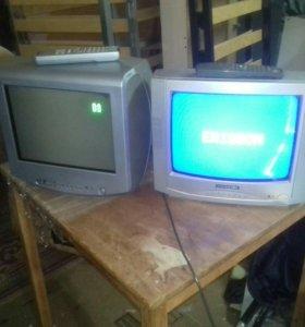 2 телевизора.SONY и ERISSON