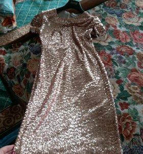 Платье расшитое пайетками