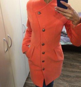 Осеннее пальто, 40-42 размер