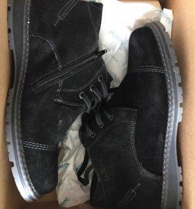 Новые ботинки(натуральная замша и натуральный мех)
