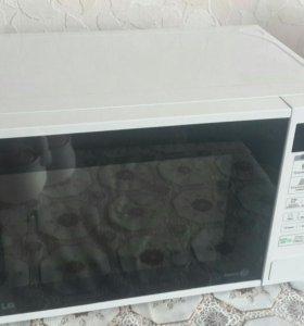 Продается микроволновая печь