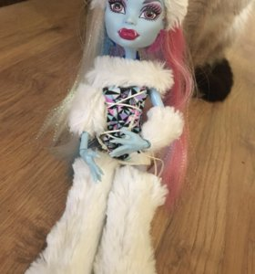 Кукла эбби боминейбл из монстр хай(оригинальная)