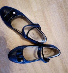 Туфли для школьников-девочек