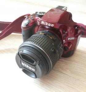 Nikon D5200 kit 18-55 VRII Red