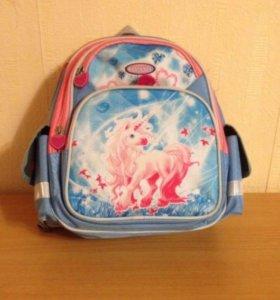 Школьный рюкзак-ранец