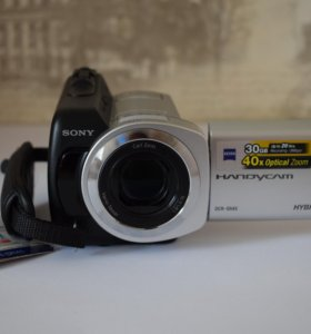 Видеокамера Sony DCR-SR45.