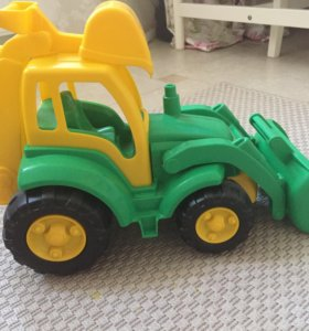 Игрушка Большой Трактор Чемпион