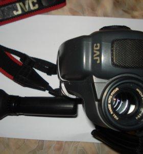 Видеокамера JVC GR-AX46