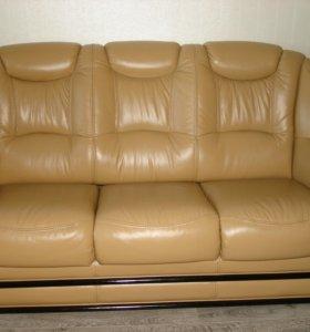 Продам 3-х местный кожаный диван Мартел