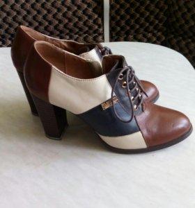 Обувь RENZONI