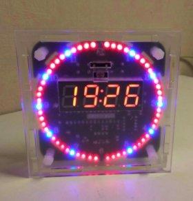 Часы электронные,  настольные.