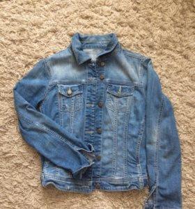 Джинсовая куртка Zara, размер S, б/у несколько раз
