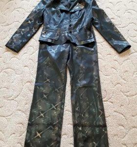 Брючный костюм,Раз 44-46