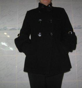 продаю пальто 44-46. обмен