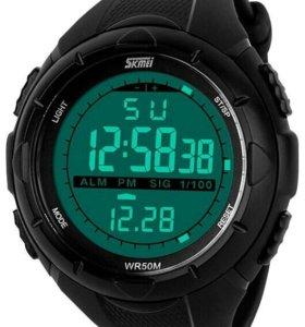 Продам часы спортивные новые
