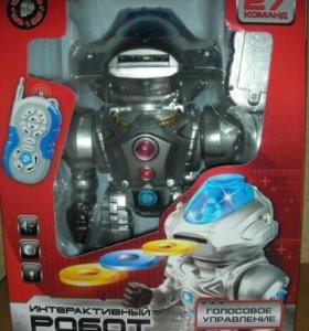 Интерактивный многофункциональный робот