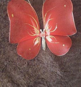 Бабочка на занавески