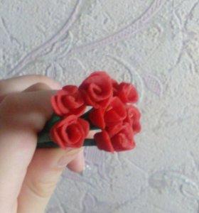 Розы из сушенного теста