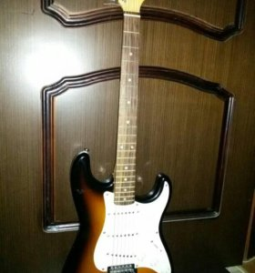 Электрогитара fender squier + Комбик Fender 15G