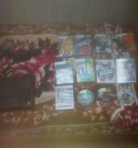 XBOX 360 S 250 Gb + KINECT + 3 джойстика + 12 игр.