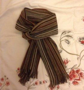 Стильный фирменный шерстяной шарф
