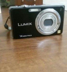 Цифровой фотоаппарат Lumix
