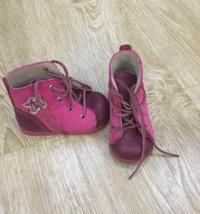 Обувь для девочки, р-р 18.