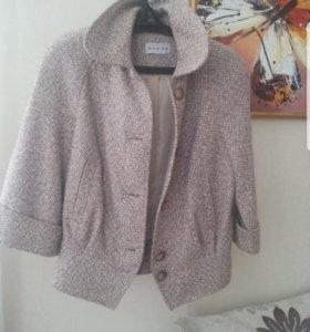 Курточка коротенькое пальто