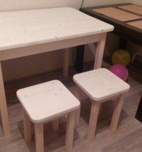 Стол и 4 табурета (новые)