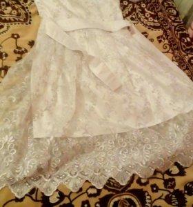 Продам платье красивое,одето 2 раза,возможен торг