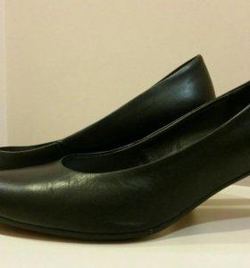 Туфли кожаные Tamaris